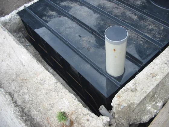 Plastová hranatá nádrž na obetónovanie