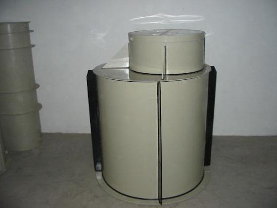 Plastová valcová nádrž na obetónovanie